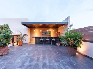 REMODELACIÓN AJUCHITLÁN: Terrazas de estilo  por Loyola Arquitectos