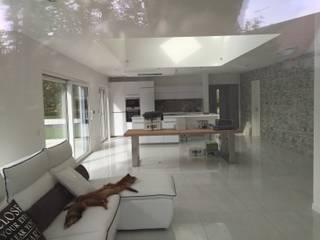 Гостиная в классическом стиле от A.FUKE-PRIGENT ARCHITECTE Классический