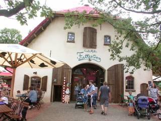 Tante Millis Futtertrog im Zoo Hannover:  Häuser von SSP SCHMITZ SCHIMINSKI Parter GbR - Planung für Raum - Licht - Design