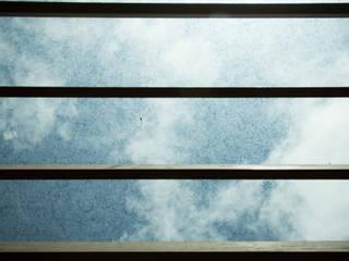 Балкон и терраса в стиле модерн от STUDIOROCA Модерн