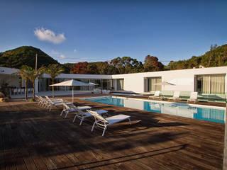 Caloura's House Minimalist pool by Monteiro, Resendes & Sousa Arquitectos lda. Minimalist