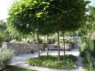 Privatgarten - Hufhaus in Hagenbrunn BEGRÜNDER Moderner Garten
