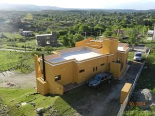 Casas modernas de ART quitectura + diseño de Interiores. ARQ SCHIAVI VALERIA Moderno