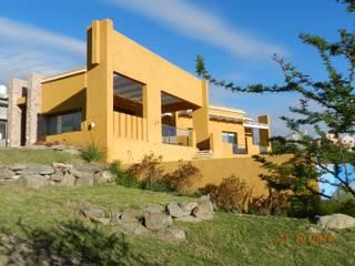 CASA DE CAMPO LOMAS DEL REY: Jardines de estilo  por ART quitectura + diseño de Interiores. ARQ SCHIAVI VALERIA