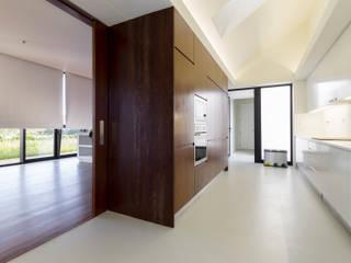 Casa Rosto do Cão Cozinhas minimalistas por Monteiro, Resendes & Sousa Arquitectos lda. Minimalista