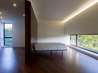 Casa Rosto do Cão Quartos minimalistas por Monteiro, Resendes & Sousa Arquitectos lda. Minimalista