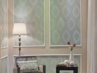 Vitrine para a loja Santa Rita House Decor Salas de estar clássicas por Amanda Fernandes Design de Interiores Clássico