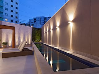 Modern pool by Estela Netto Arquitetura e Design Modern