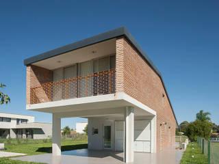 Casa Miraflores de Estudio Caballero Fernandez Moderno