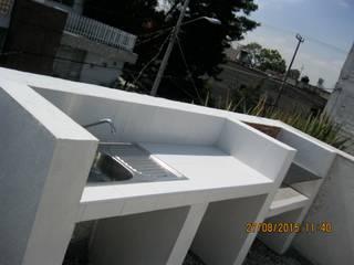 Parrilla Sur 105 Balcones y terrazas eclécticos de Fixing Ecléctico