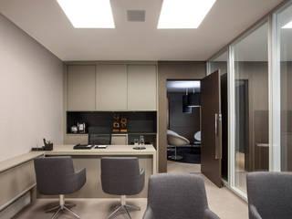 Espaces commerciaux de style  par Estela Netto Arquitetura e Design,