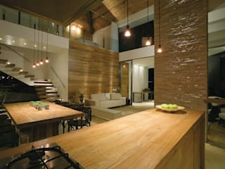 Loft: Salas de jantar  por Isabela Canaan Arquitetos e Associados,