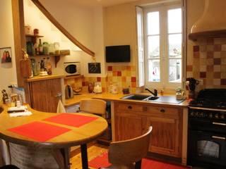 Cuisine colorée Anne Roulin-Chéné déco & couleurs CuisinePlacards & stockage Bois massif Multicolore