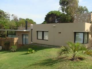 Maisons modernes par Arquitecto Oscar Alvarez Moderne