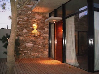 Modern windows & doors by Arquitecto Oscar Alvarez Modern
