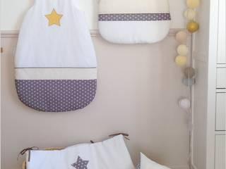 Décoration de chambre d'enfants:  de style  par Les toiles filantes