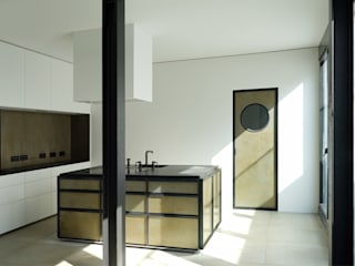 Industrial style kitchen by boehning_zalenga koopX architekten in Berlin Industrial Metal