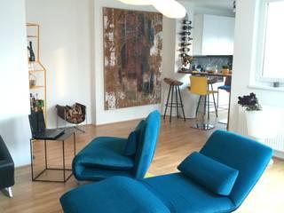 Moderne Wohnzimmer Einrichtung in Wien:   von Wohndesign Maierhofer