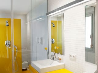 Pujol Iluminacion 現代浴室設計點子、靈感&圖片
