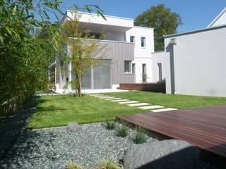 BEGRÜNDER Modern Bahçe