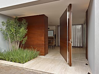 Casas modernas de Márcia Carvalhaes Arquitetura LTDA. Moderno