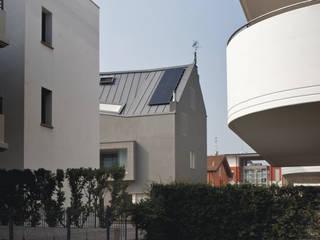 Casa EM: Case in stile  di C&P Architetti - Luca Cuzzolin + Elena Pedrina
