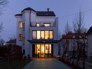 房子 by Mayr & Glatzl Innenarchitektur Gmbh