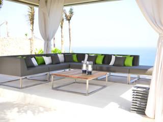 OUTDOOR LOUNGE TABLE:   von Villa tectona GmbH