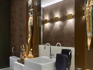 Salle de bains de style  par Isabela Canaan Arquitetos e Associados, Moderne