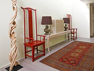 Susana Camelo Pasillos, hall y escaleras de estilo asiático Rojo