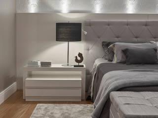 Chambre de style  par Isabela Canaan Arquitetos e Associados, Moderne