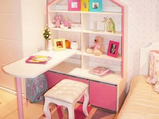 Ambiente Infantil com estante casinha de bonecas:   por INTERCASA MÓVEIS INFANTIS E JUVENIS