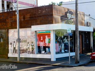 Loja Officina Lojas & Imóveis comerciais modernos por Atelier Arquitetura Moderno