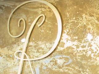 Extravagante Wandgestaltung in Gold - Setzen Sie ein Highlight in Ihren Räumlichkeiten.:  Gastronomie von ENEOS & Friends Design