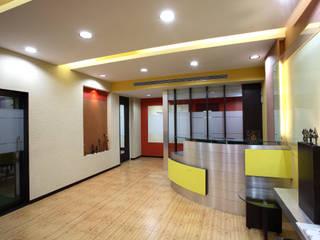 Finicity India Pvt Ltd by Focusz Designs Pvt Ltd Modern