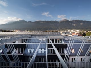 Kleinwohnungen - Umbau und Aufstockung Moderne Häuser von U1architektur Modern