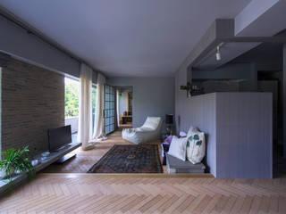 Salones modernos de Nobuyoshi Hayashi Moderno