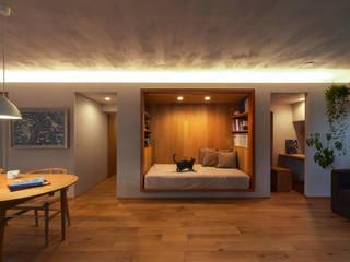 覚王山のリノベーション: Nobuyoshi Hayashiが手掛けた寝室です。,
