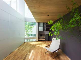 Modern conservatory by Nobuyoshi Hayashi Modern