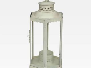 Lanterna indiana bianca in ferro: Bagno in stile in stile Asiatico di Anthaus