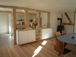 Cocinas de estilo rural de Planungsgruppe Barthelmey Rural