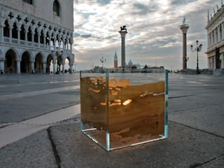 Venezia Piazza S. Marco:  in stile  di Arch. Laura Cera | KERA ecodesign