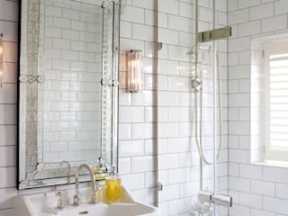homify BathroomDecoration