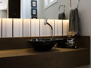 Modern style bathrooms by Aline Dal Pizzol Aquitetura de Interiores Modern