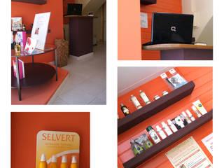 Ingreso, Recepción de clientes y exposición de productos:  de estilo  de La Colorista