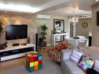 Arquitetura de interiores: Salas de estar  por adriana peccin arquitetura