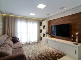LAM Arquitetura | Interiores Modern style media rooms