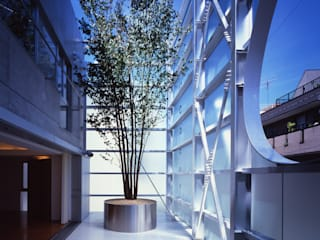 Modern balcony, veranda & terrace by Guen BERTHEAU-SUZUKI Co.,Ltd. Modern