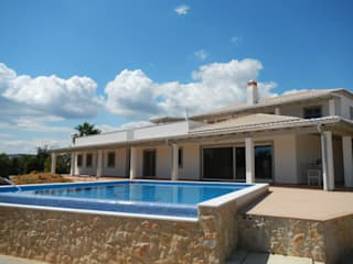 Thermal Insulation - B Mediterranean style house by RenoBuild Algarve Mediterranean