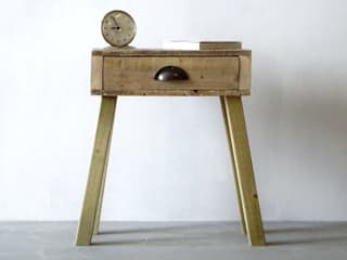 Bedside Table:   by Piggledy Pallet Furniture